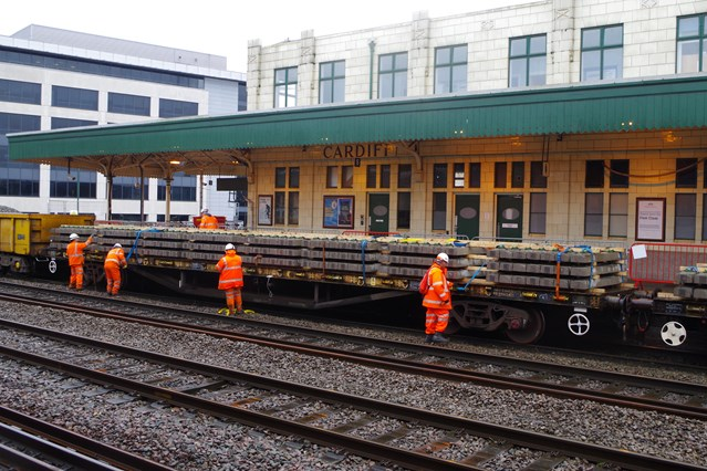 Network Rail advises Cardiff and Valleys passengers to 'check before you travel': Christmas works at Cardiff Central station 1