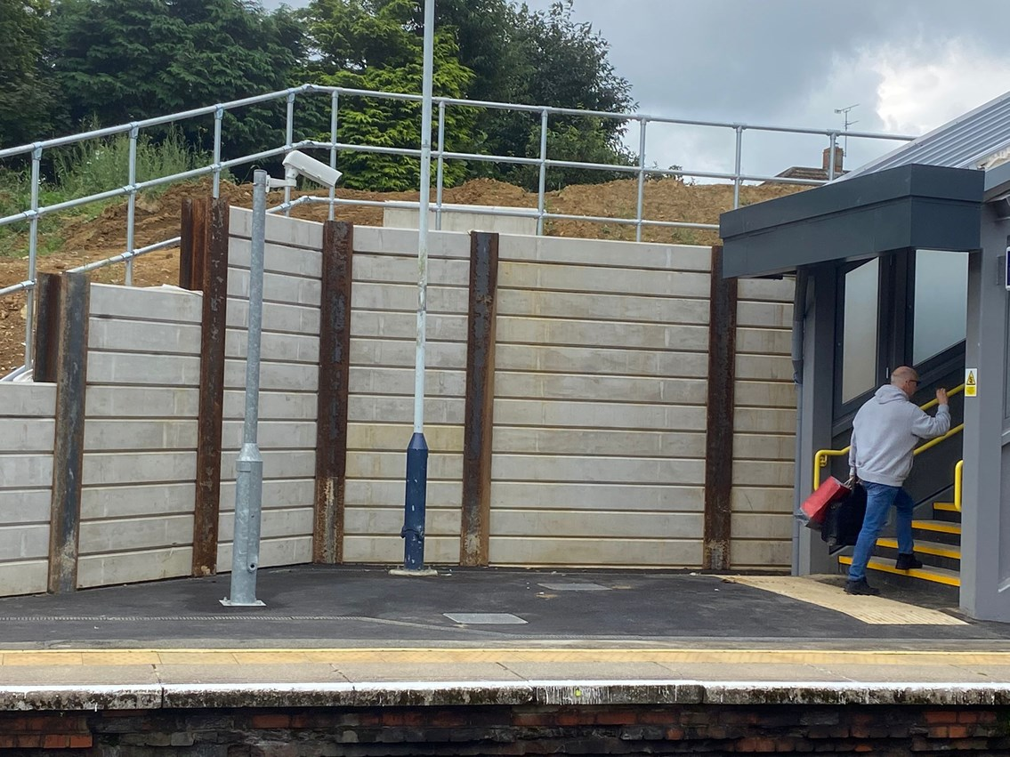 Liphook New Footbridge (1)