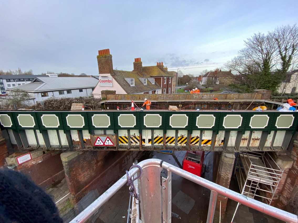 Landmark Canterbury railway bridge undergoes vital repairs...and gets a new lick of paint: Wincheap Rd Bridge Repairs