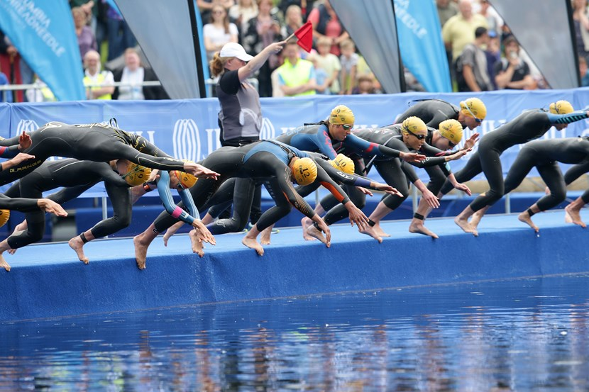 Countdown begins for priority entry to the 2017 Columbia Threadneedle World Triathlon Leeds: triathlonelitewomen1jpg.jpg