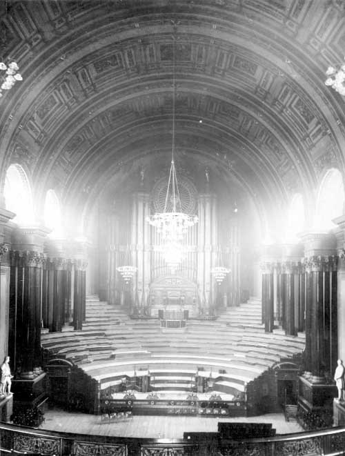 Leeds Town Hall organ recital: The Leeds Town Hall organ as it was in 1925. Credit Leeds Libraries and Information Service.