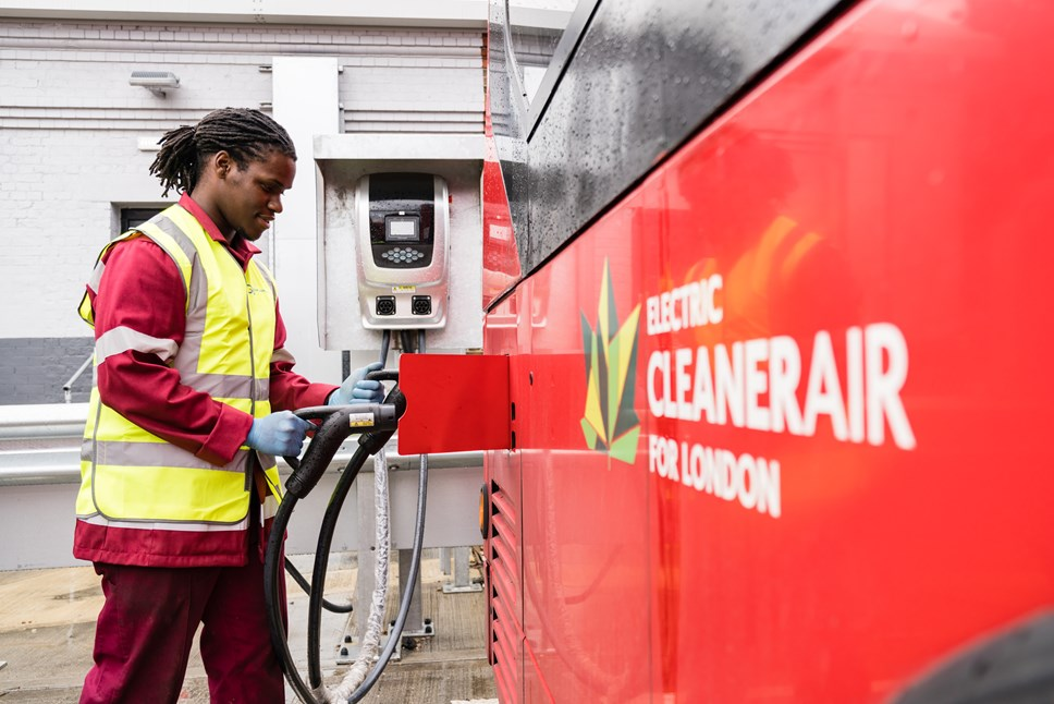 Damani Roberts Franklin plugs in an electric bus (2)