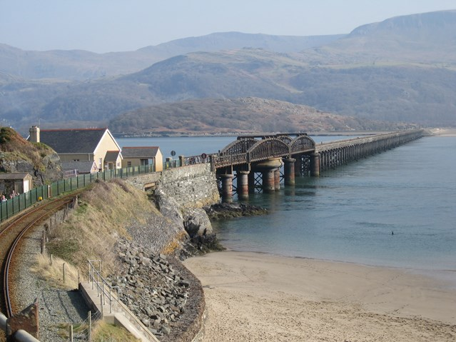 Cambrian Coast line between Barmouth and Tywyn reopens following viaduct fire: Cambrian Coast line between Barmouth and Tywyn reopens following viaduct fire