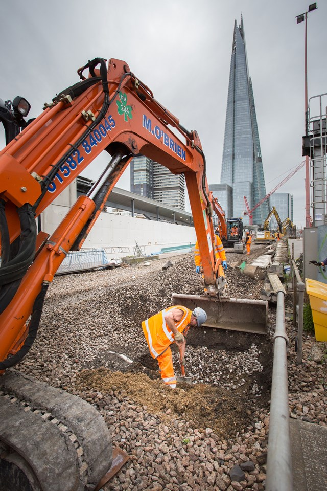 London Bridge - digging out old signal cabling