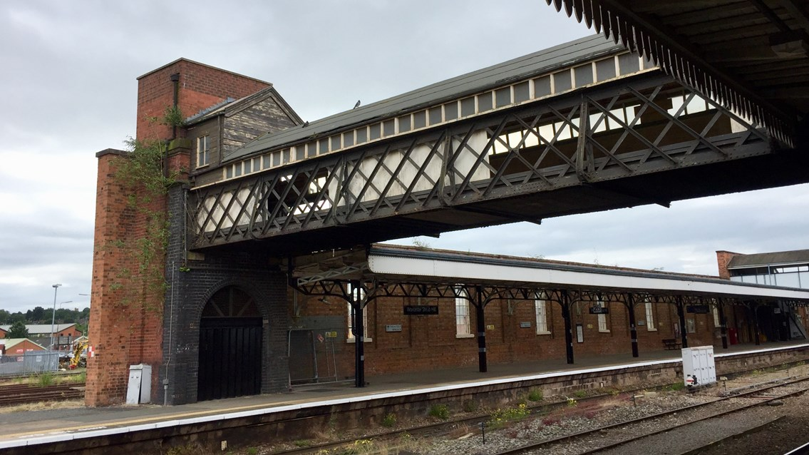 Listed luggage bridge to be restored at Worcester Shrub Hill station: Worcester Shrub Hill former luggage bridge