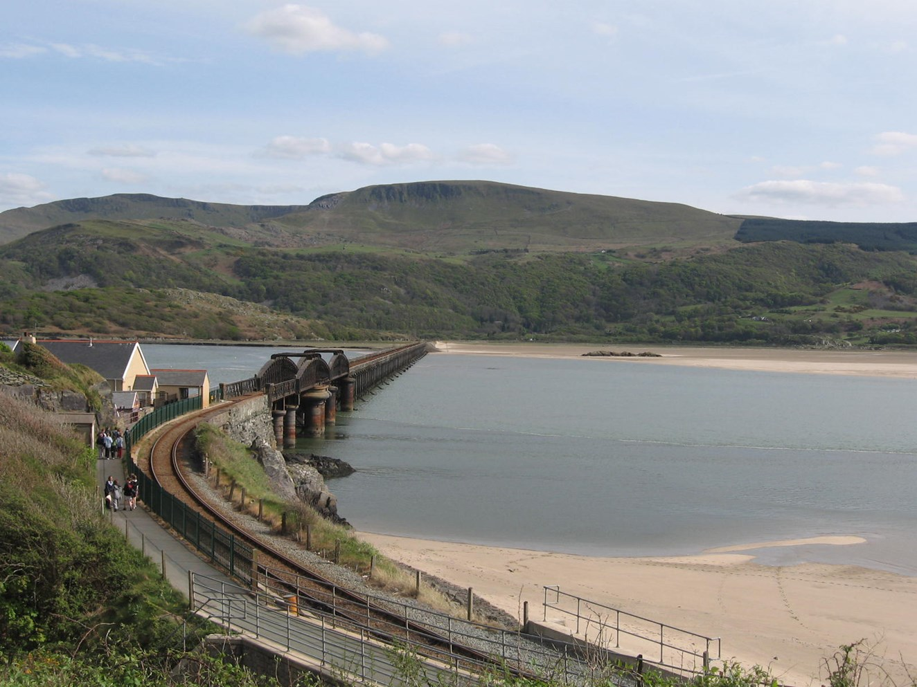 Cambrian Coast line between Barmouth and Tywyn closed until next week following viaduct fire: Barmouth Viaduct