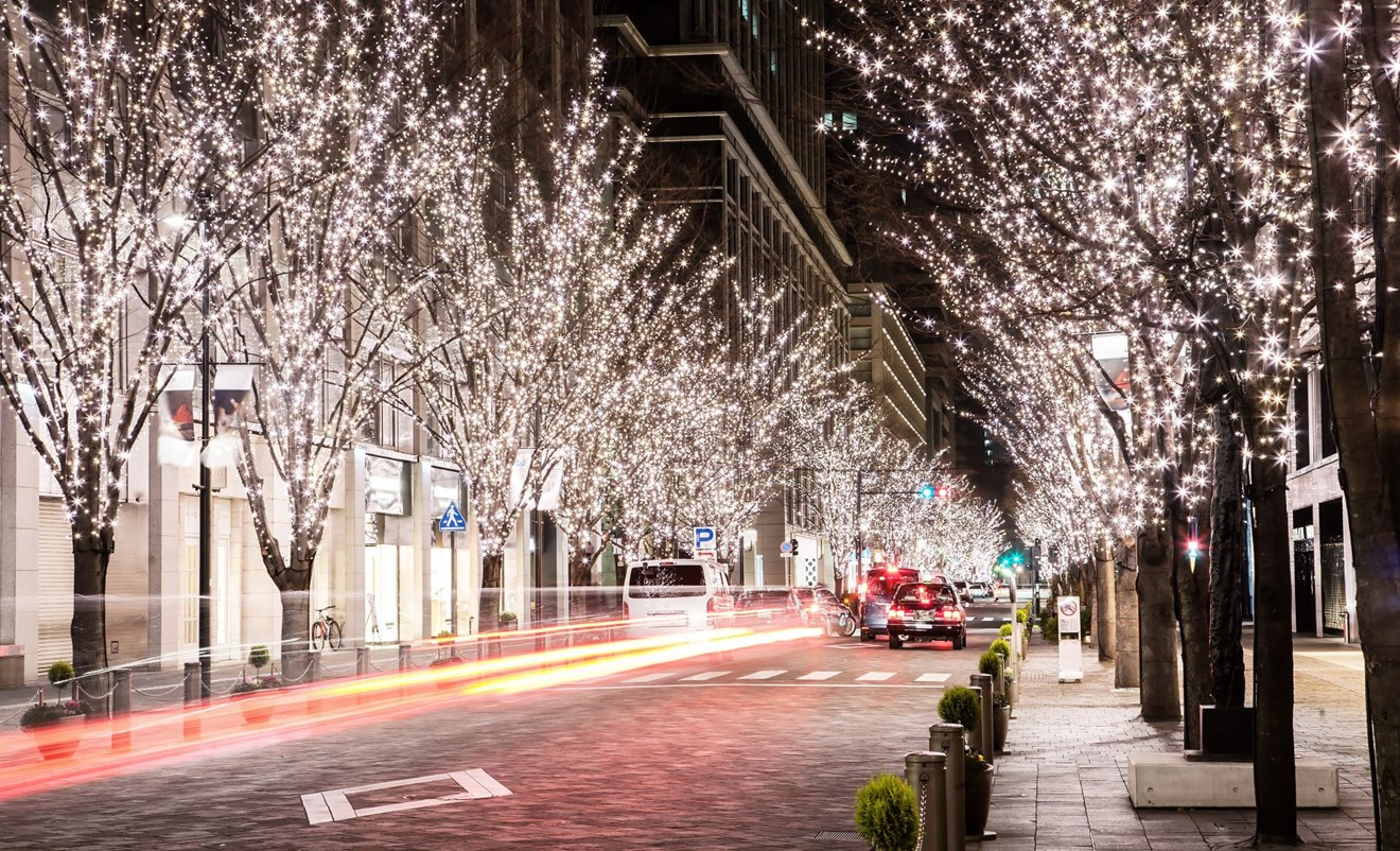 White lights street scene 2M