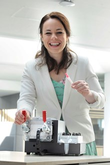 Kate Forbes MSP with the Natantis CNAsafe device