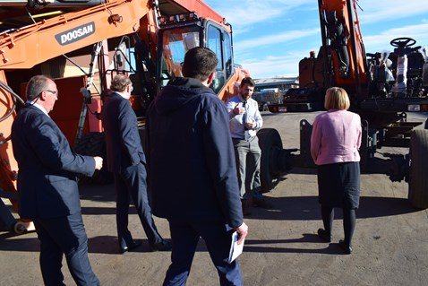 Lynne Neagle AM takes a tour of G.O.S Tool and Engineering