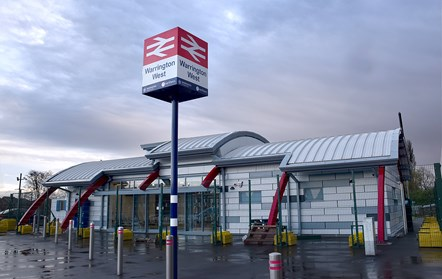 Warrington West station opens: Warrington West 1