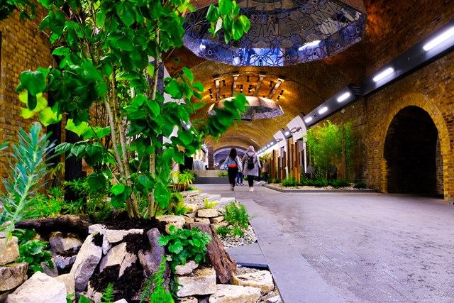 London Bridge passengers can escape the rush at a new garden oasis unveiled on Stainer Street: New Forms - Stainer Street, London Bridge Station