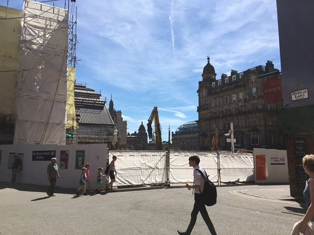 Passengers advised of changed access into Queen Street station: 28 June Dundas Lane 1