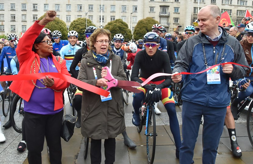 Images and comment on start of men's road race at UCI Road World Championships in Leeds: cllrtaylor-cllrblake-tomriordanribboncutting-349464.jpg