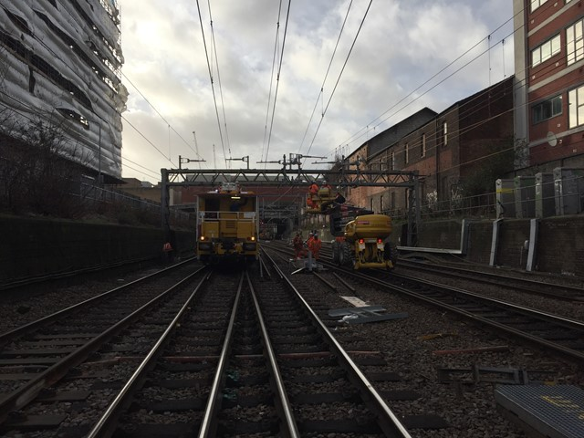 Replacing overhead wire at Ilford
