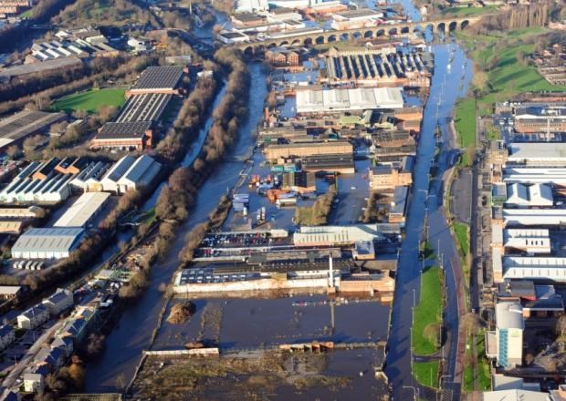 Opportunity to see detailed flood defence plans in Kirkstall: lookingupstreamtorailwayviaduct.jpg