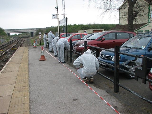 Young offenders complete reperation work at Micklefield station