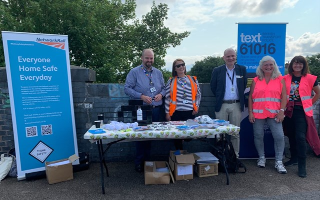 Network Rail joins community in South Wigston in project to tackle vandalism and trespassing: Chris Pratt (EMR), Lucy Gallagher (EMR) and Steve Hopkinson (Operations Director for Network Rail) with Station Adopters at South Wigston station