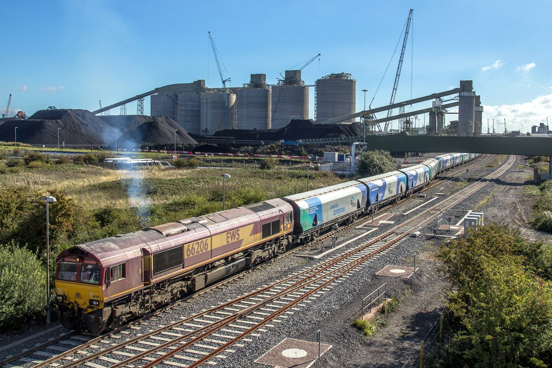 Economic boost for Greater Lincolnshire and South Humber Ports thanks to £100m Network Rail upgrade plan this Christmas: The port of Immingham will benefit from the £100m investment (photo credit - Dave Enefer)