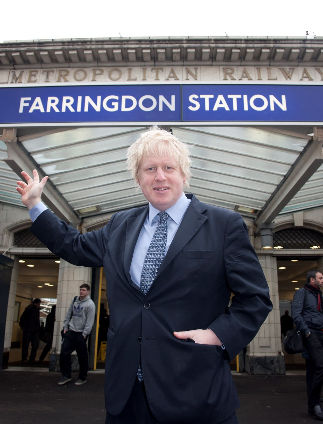 FARRINGDON STATION STEPS CLOSER TO BECOMING LONDON'S NEWEST TRANSPORT HUB: Boris Johnson at Farringdon station