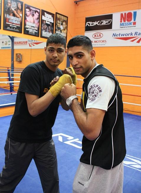 Amir with protégée Umar at Gloves gym 003