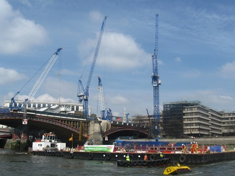 Blackfriars station - Thames takes the strain (3)