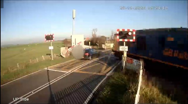 VIDEO: Warning to drivers after near miss at East Sussex level crossing: Star Crossing Near Miss VW