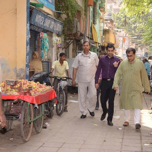 Mr Yousaf visits Nizamuddin restoration project