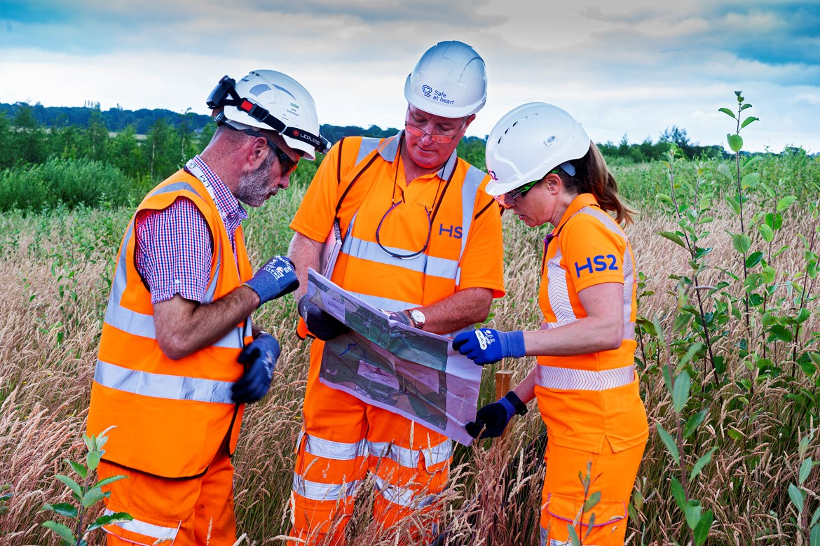 HS2 backs new Ecological Clerk of Works accreditation pilot: HS2 ecologists on site in Warwickshire