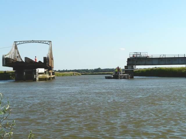 Somerleyton swing bridge (1)