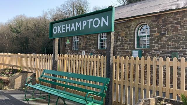 Okehampton station platform sign
