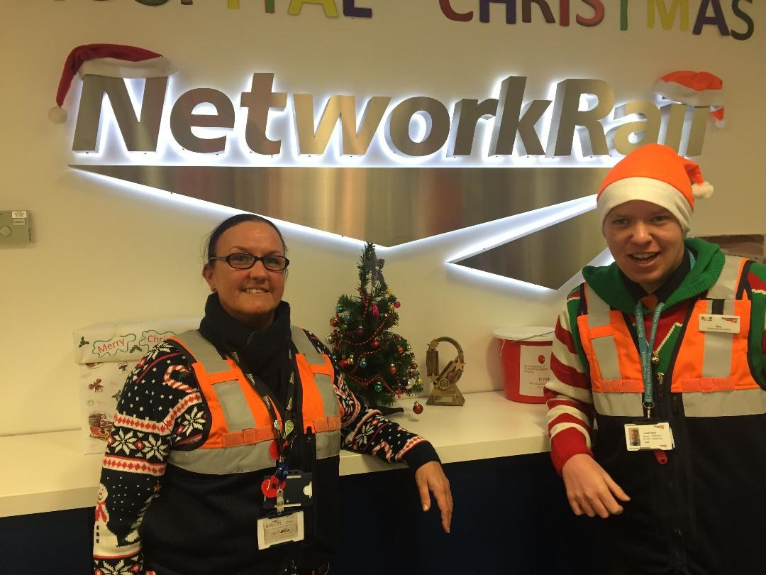 Birmingham New Street staff and Railway Grafters choristers Nicola Perkins and Daniel Noon