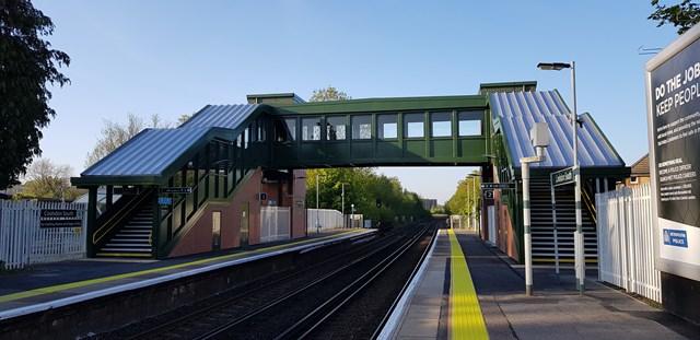 Coulsdon South footbridge