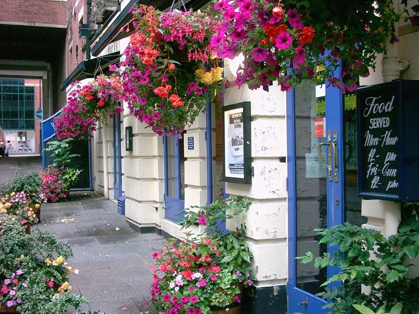 Don't miss out on your chance to star in Leeds in Bloom: pg7backgroundimagebusinessbaskets.jpg