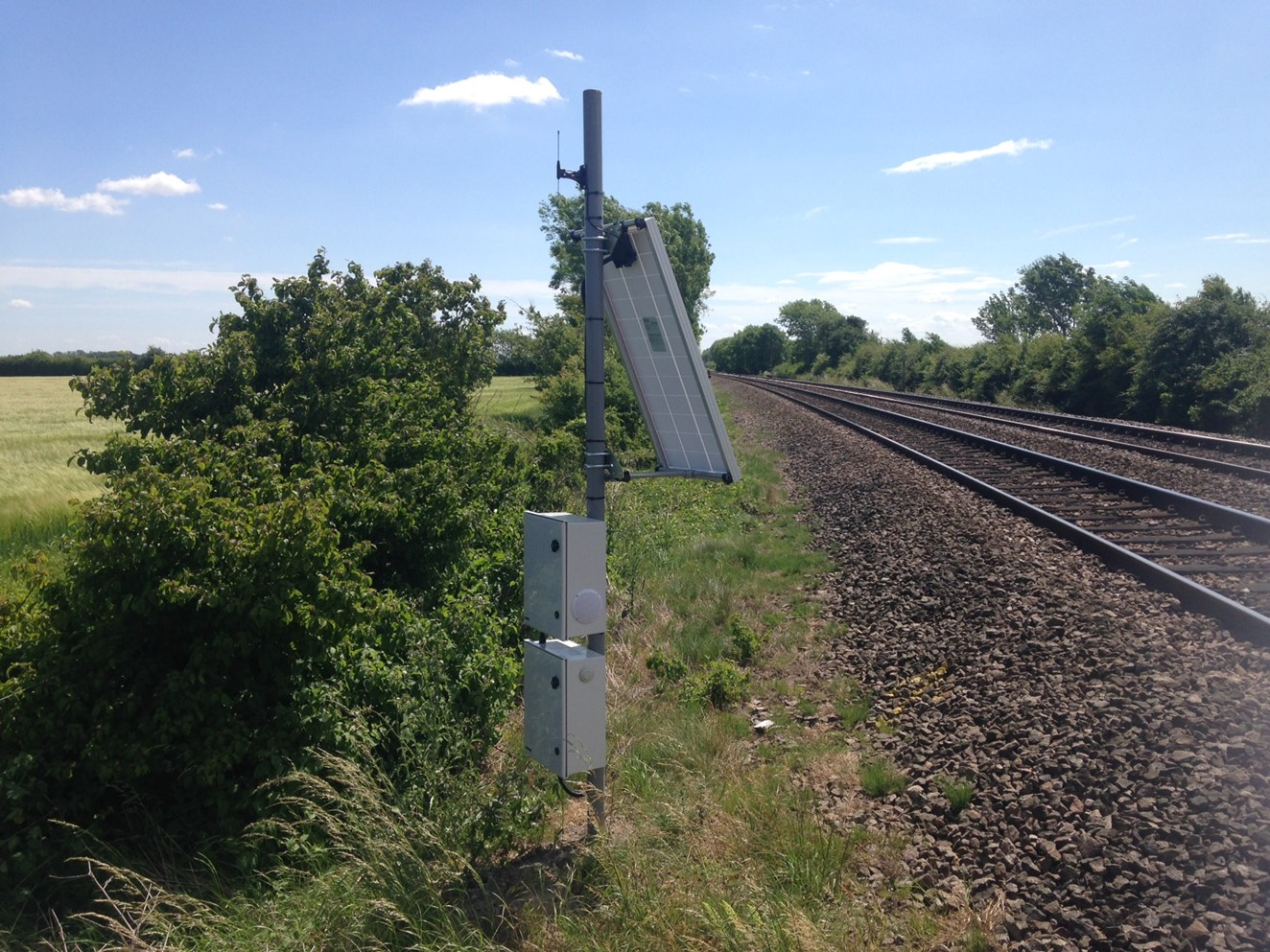 New warning system improves safety at level crossings in Cambridgeshire: Covtec installed at Block Farm level crossing 2
