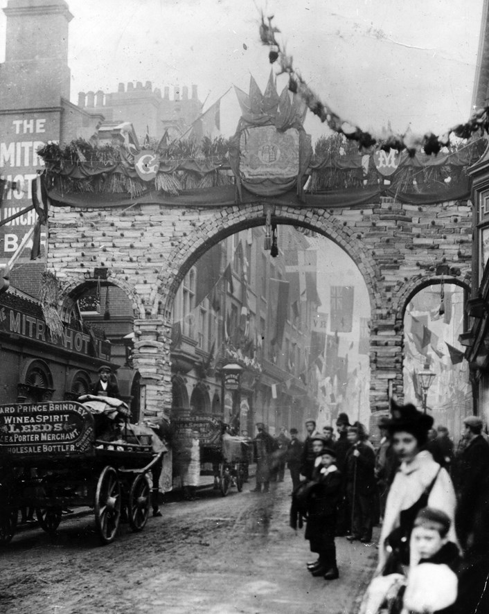 Photo flashback reveals day Leeds folk used their loaf to welcome upper crust visitor: Leeds Bread Arch, 5th October 1894. Copyright Leeds Libraries, Leodis.net