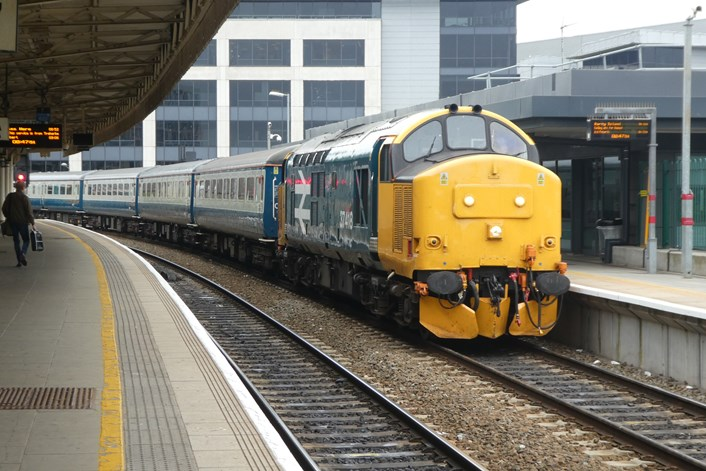 Class 37 arriving at Cardiff Central