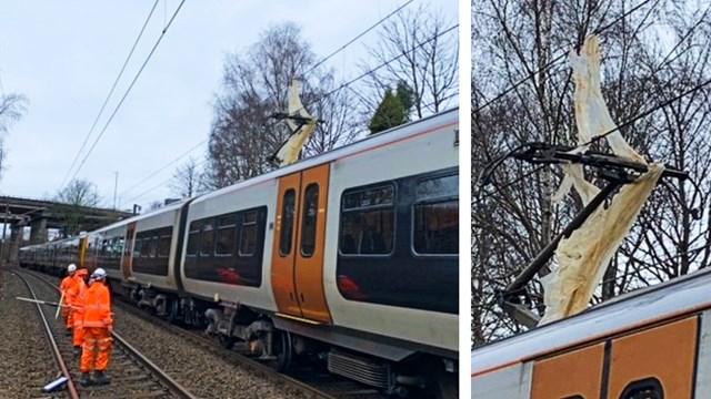 Plastic sheet on 25,000 volt power lines delays Birmingham to Lichfield trains: Plastic sheet on overhead lines Cross City line composite