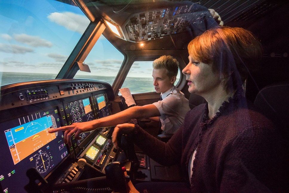 Tayside Aviation launches new £300k flight simulator with support from Scottish Enterprise: 1 Tayside Aviation AR