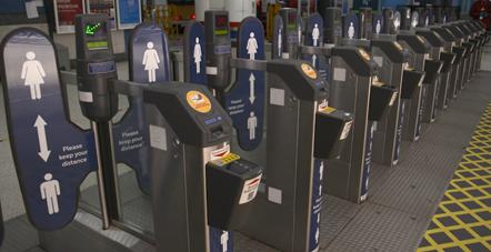 Social Distancing - Liverpool St Station Gateline