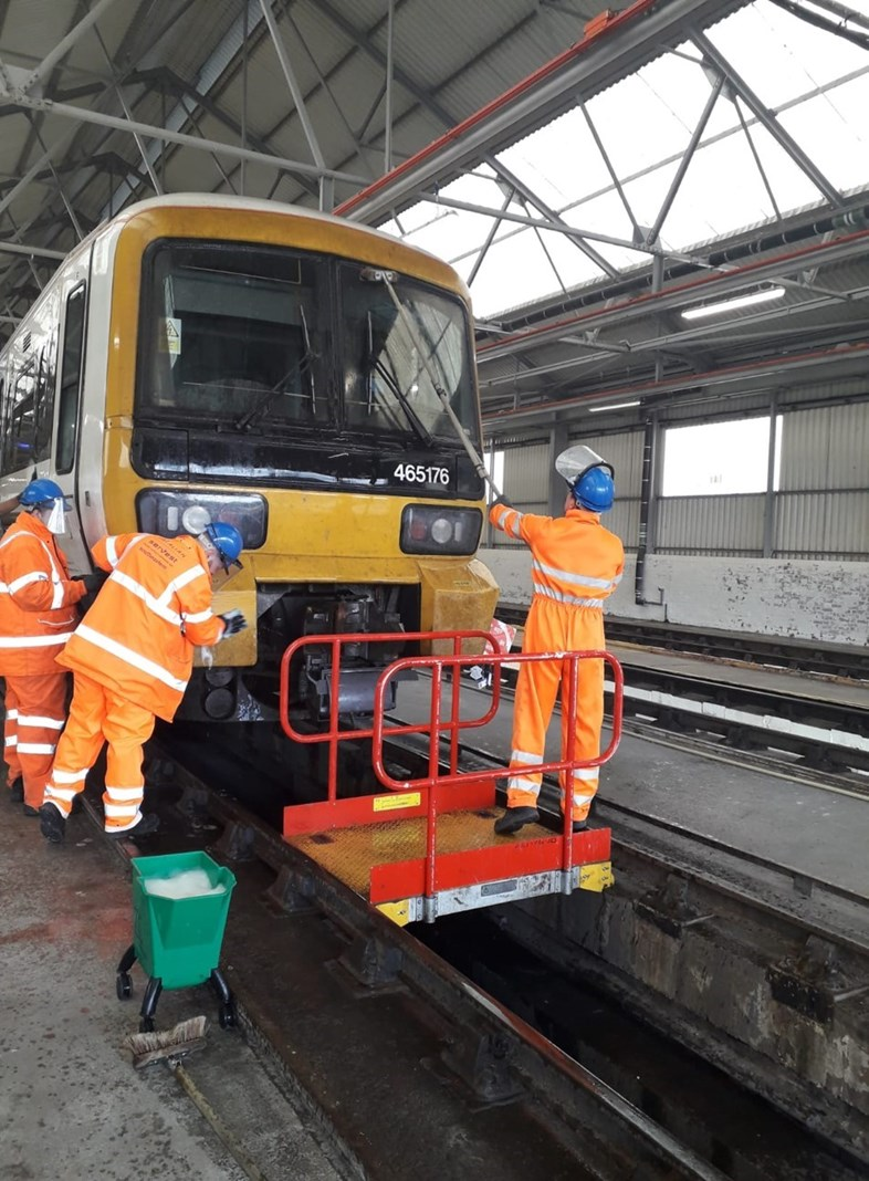 Milestone reached for major deep-clean of Southeastern's train fleet: 05-8