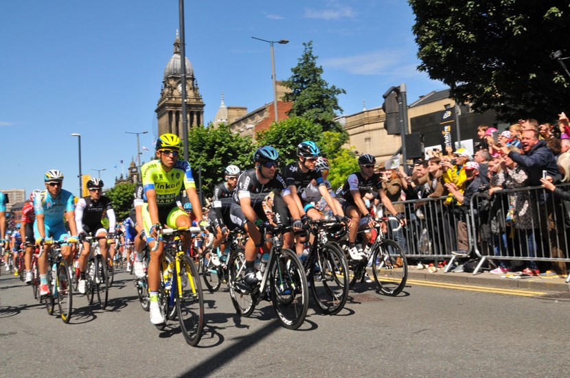 Have your say on draft strategy and action plan setting out Leeds cycling ambition: tdfheadrowstartline.jpg