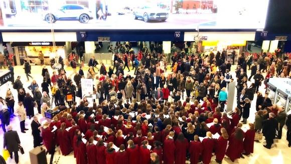 Waterloo carols raise funds for local food banks: Waterloo choir 12.12.18