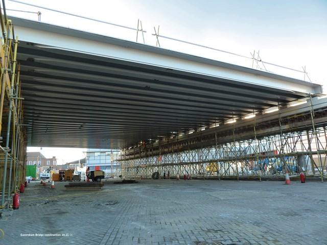 READING BRIDGE NEARS COMPLETION AHEAD OF XMAS RAIL IMPROVEMENT WORK: Caversham Road bridge under construction