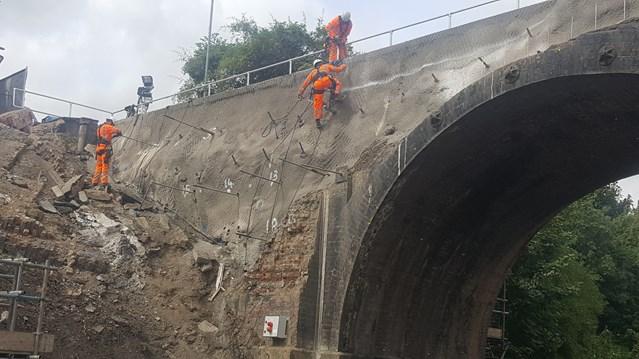 Barrow upon Soar bridge to reopen in early 2017: Barrow upon Soar Bridge