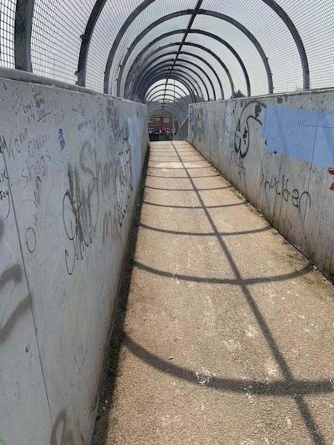 Widnes railway footbridge before cleanup 2