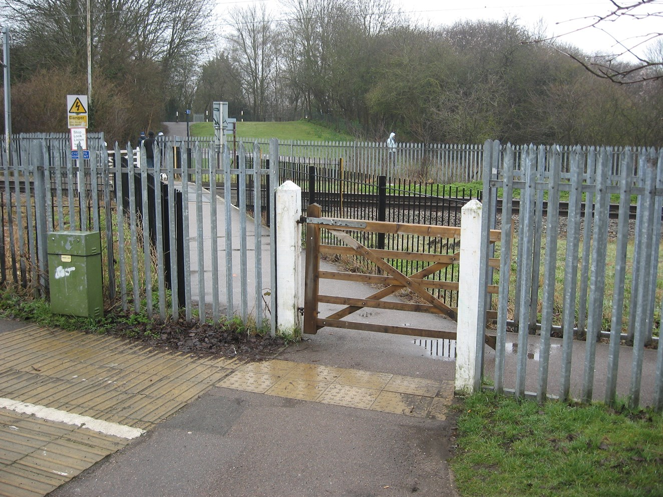 Pedestrian's near miss with train prompts safety warning at Cottonmill Lane crossing: Cotton Mill Lane level crossing