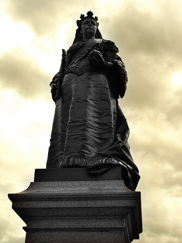 Queen Victoria - Blackfriars Bridge