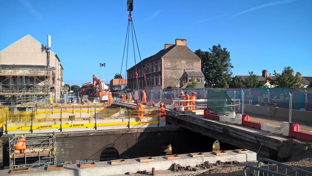 Carillion's smaller rail suppliers to be paid arrears: Splott Road Bridge demolition 270817 2