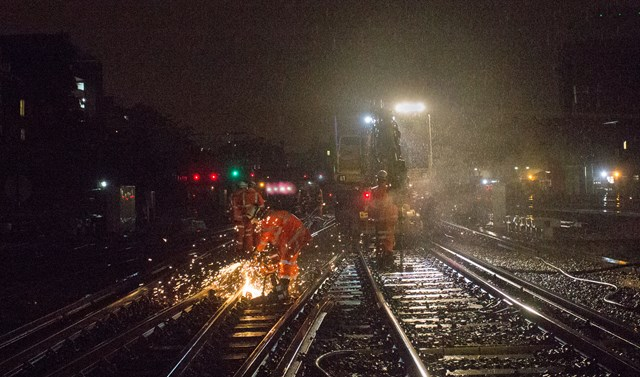 """Network Rail, Southern and Thameslink issue """"essential travel only"""" warning due to emergency work on the Brighton Main Line this Sunday: London Victoria - working in the rain"""