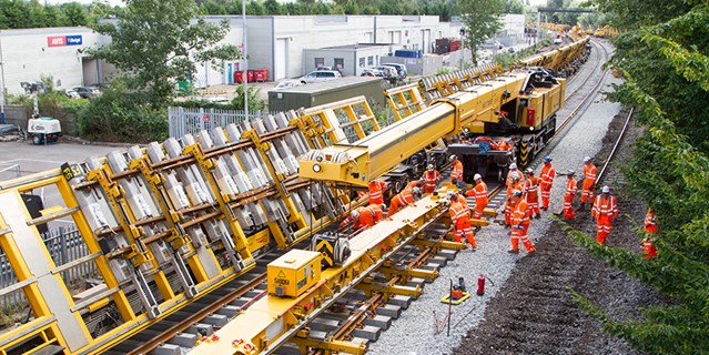 Railway re-opens through Oxford following upgrade work: Oxford 17 block-0215